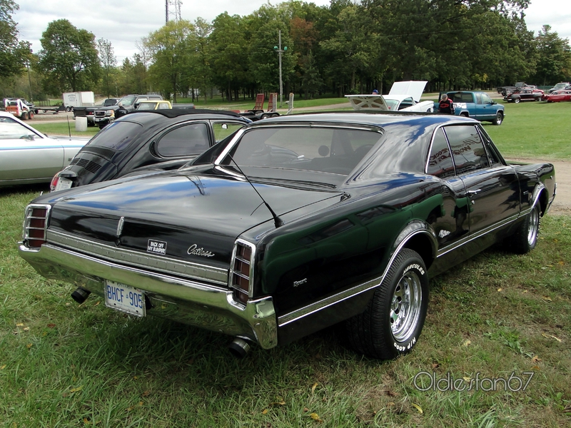 oldsmobile-cutlass-holiday-coupe-1966-b