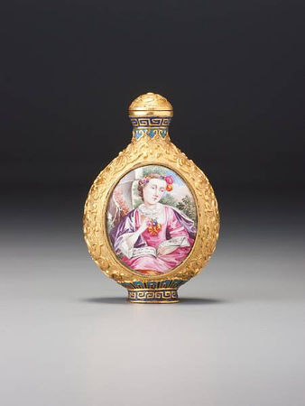 A_gold_ground__famille_rose__enamelled_copper__European_subject__snuff_bottle1