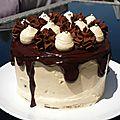 Layer cake au chocolat et au caramel au beurre salé