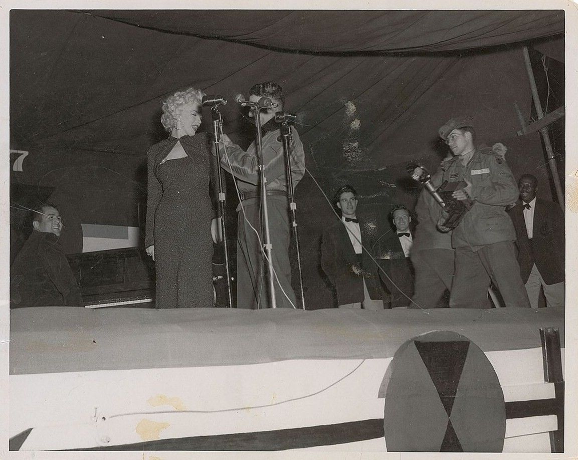 1954-02-16-5_on_7th_infantery_division-stage-012-1-with_corporal_Joseph_Fishman_with_a_camera