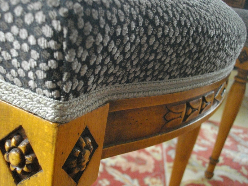 angle-chaise-galon-gros-clair-finition-relooking-chaise