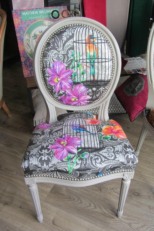 chaise Louis XVI à retapisser