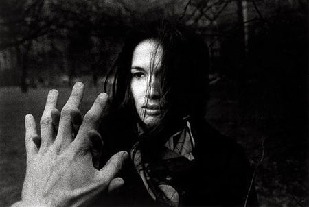 mary_ellen_and_hand_ralph_gibson