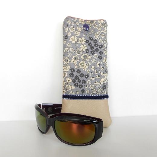 Etui lunettes frou frou fleurs parme1