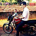 Zoé à moto