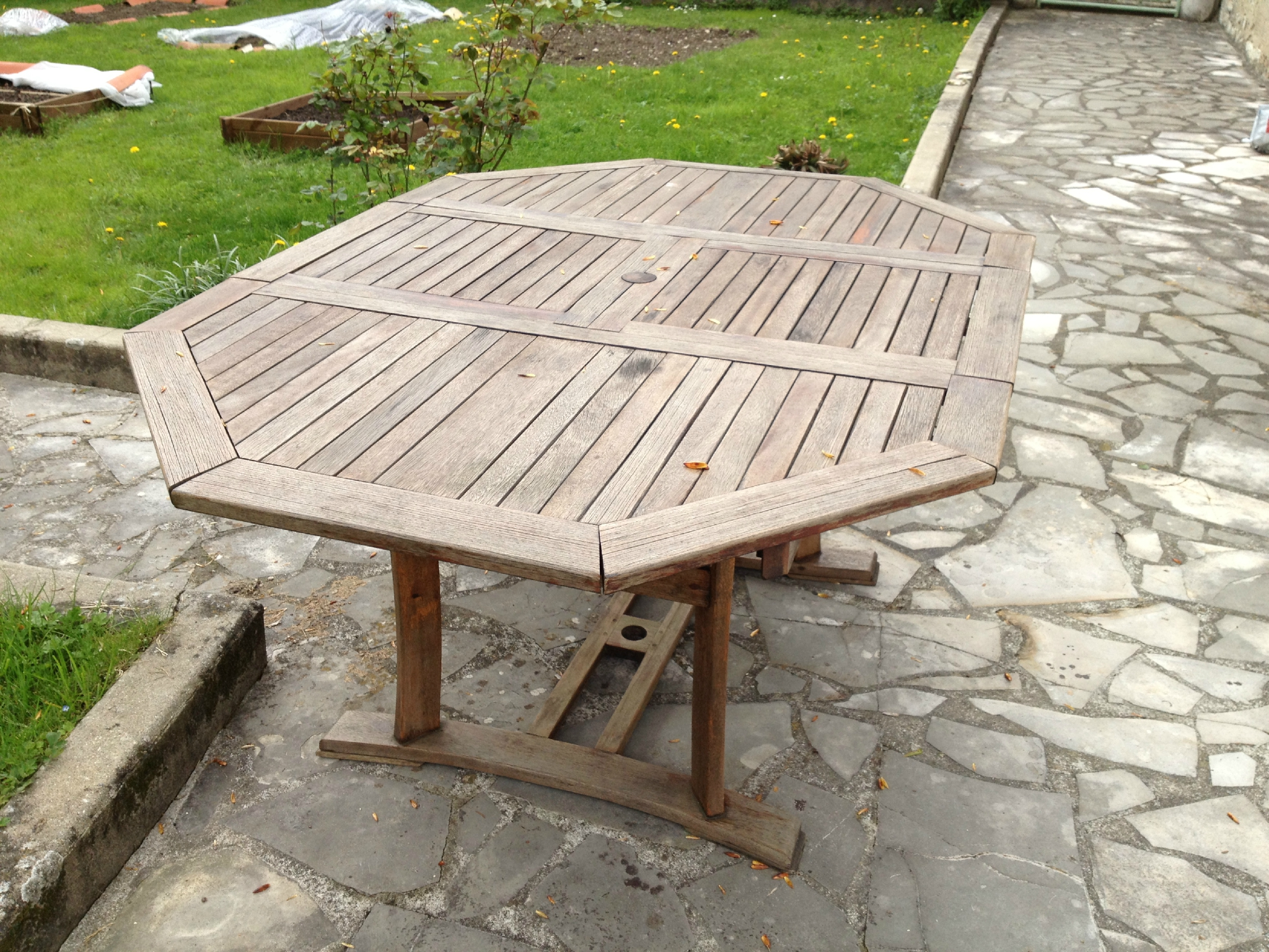 R novation de mobilier de jardin en eucalyptus mes for Renovation jardin