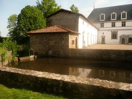 vu_de_derri_re_le_pont__2_