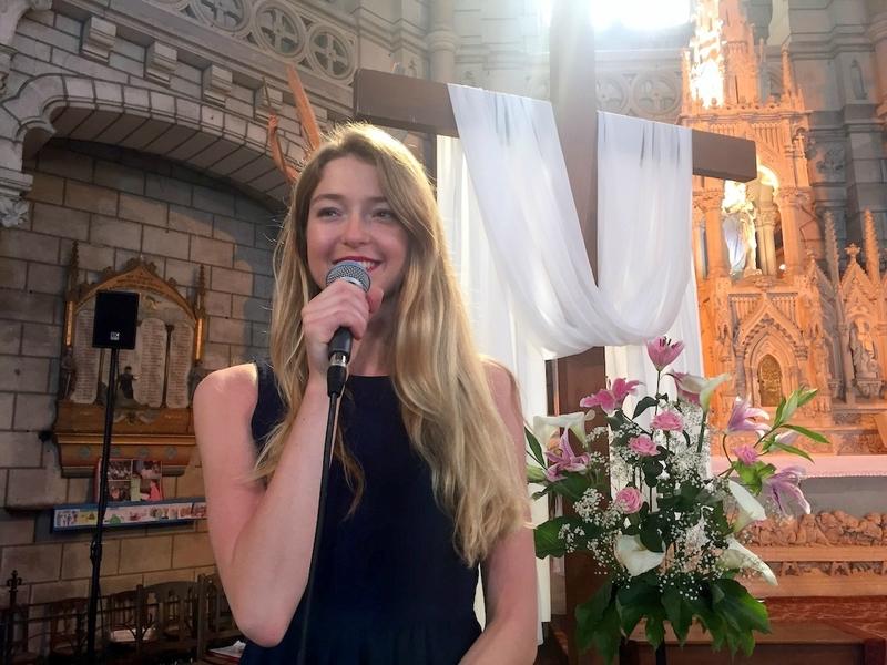 Chanteuse animatrice liturgique pour cérémonie de mariage, messe, obsèques, baptême PARIS Ile de France