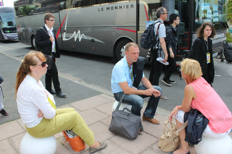 DDay D-Day press presse bus coach Ouistreham 6 juin 2014