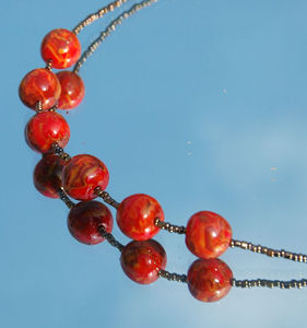 collier_ocre_rouge3