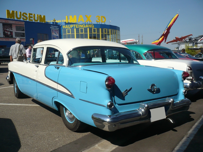 OLDSMOBILE 88 4door Sedan 1955 Sinsheim (2)