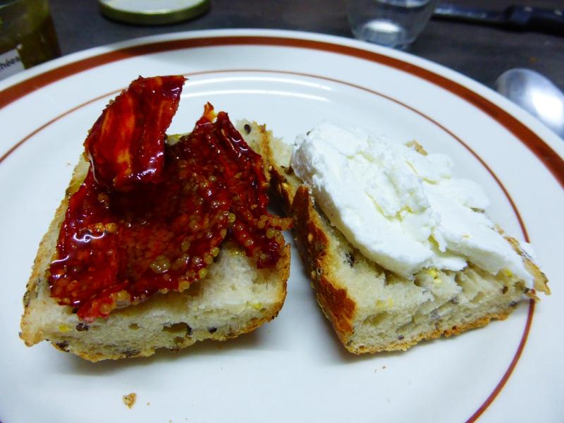 2-pain-fromage frais-tomates séchées (4)