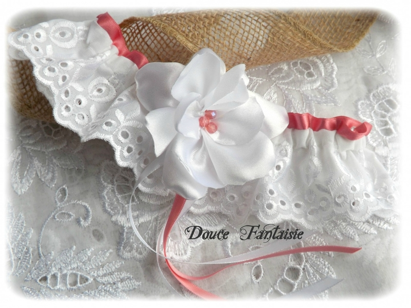 jarretière de mariée dentelle rose et blanc