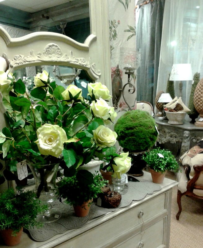 roses,commode,trumeau,console,