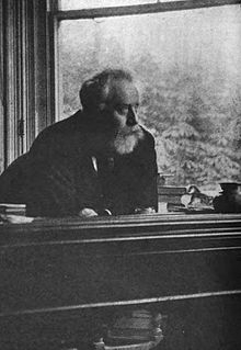 Picture_of_William_Ernest_Henley