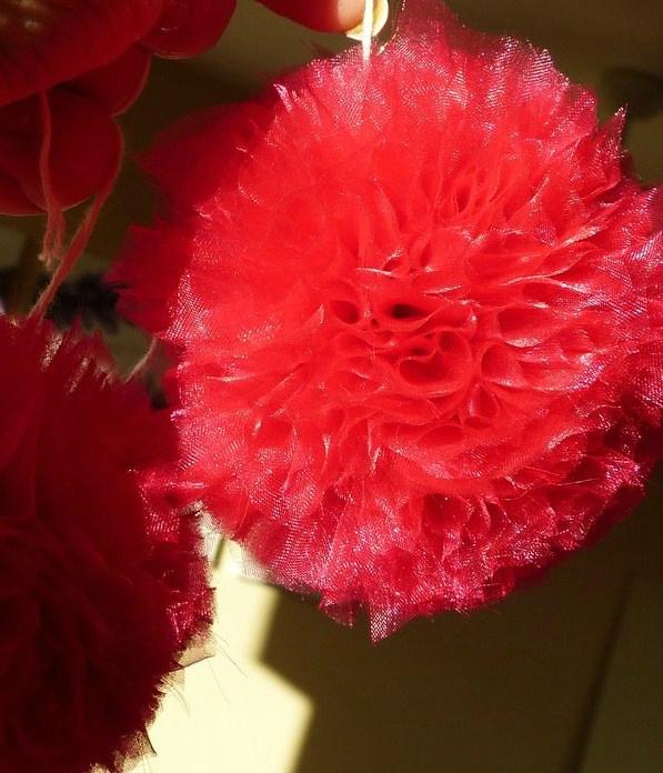 pompon organza rouge (23)