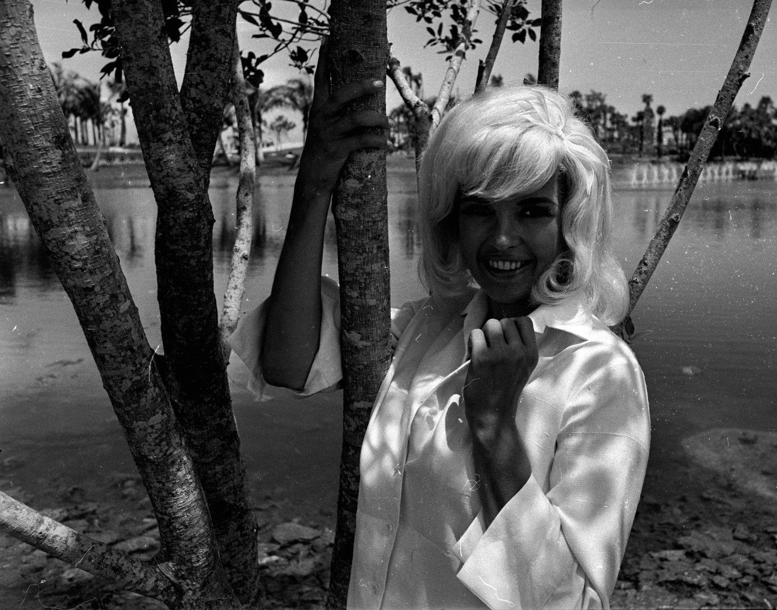 jayne-1965-06-21-tree-1