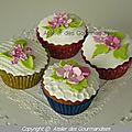 Cupcakes, déco en pâte à sucre