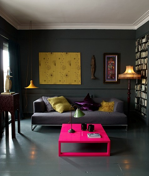 dark_and_moody_apartment_interior_design_1