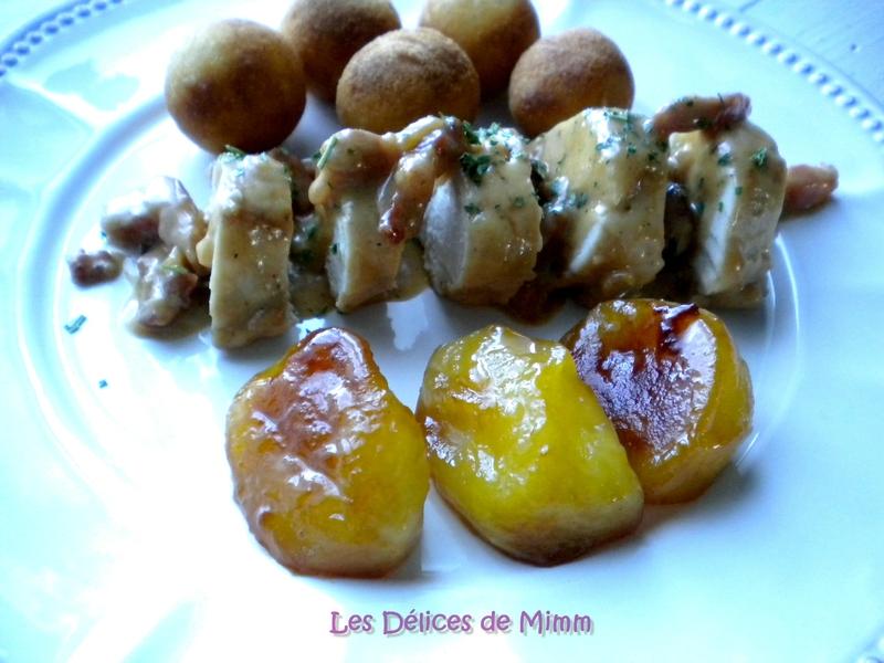 Filets de poulet au cidre, lardons et pommes caramélisées 2