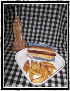 Hot-dog-new-yorkais-et-frites-maison - LIRILOU