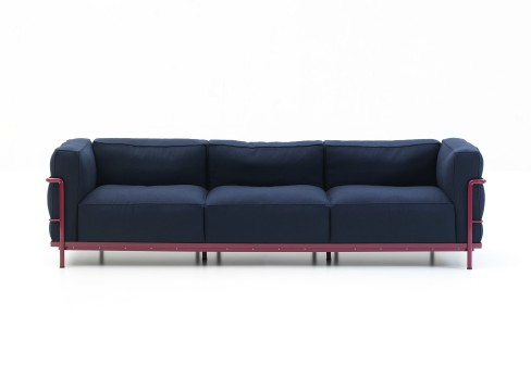 milan-2012-sofa-lc2-cassina-corbusier