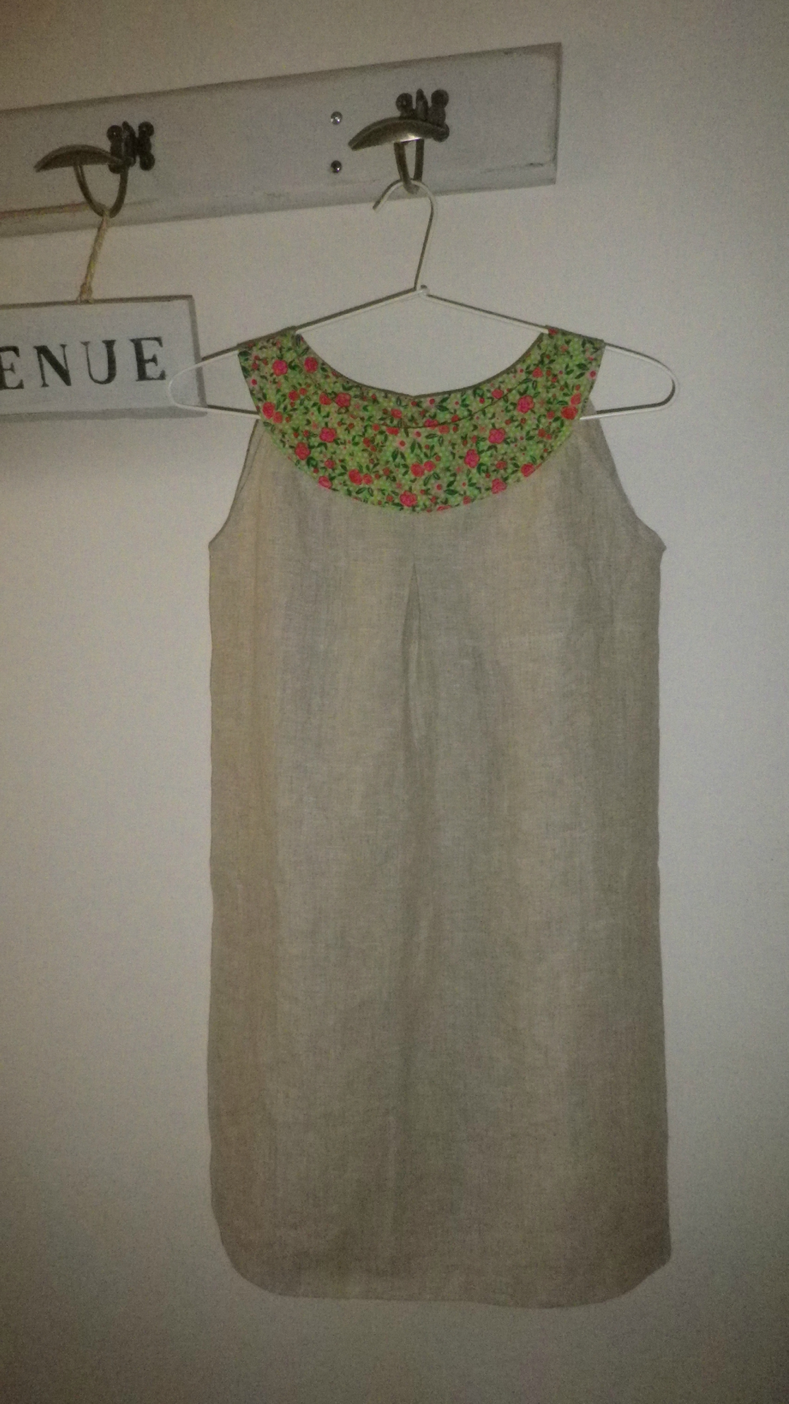 Robe encolure ronde