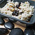 Salade de riz fêta-olives-pignons