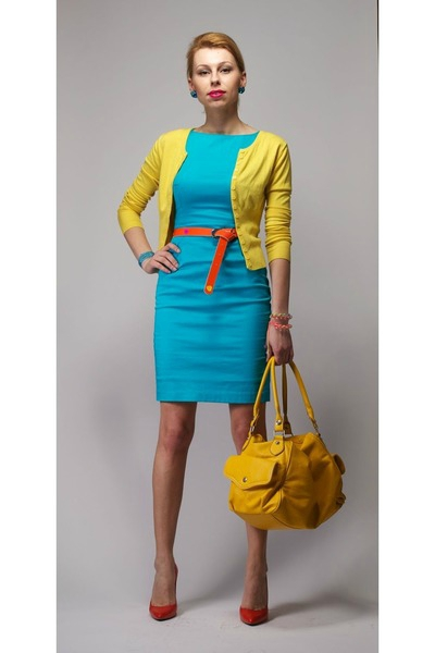 turquoise-blue-mohito-dress-yellow-new-look-sweater-carrot-orange-zara-heels_400