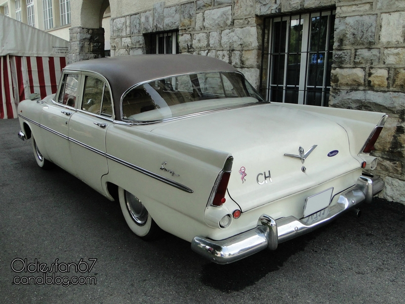 plymouth-savoy-sedan-1956-02
