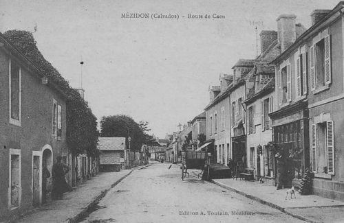 Mézidon - la grande rue (rue Jules Guesde)