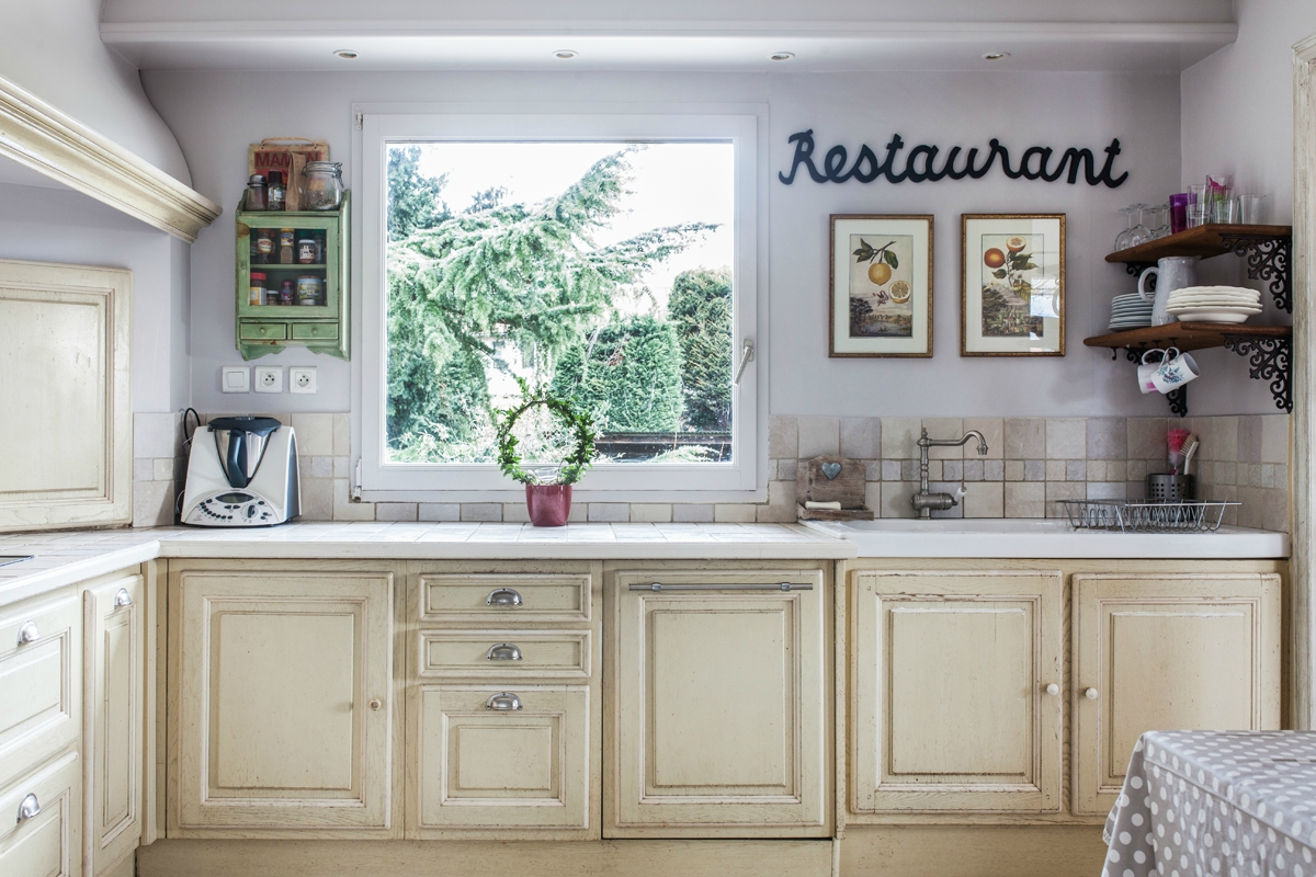 2 photos cuisine salon salle manger album photos la maison du bonheur chazay d. Black Bedroom Furniture Sets. Home Design Ideas