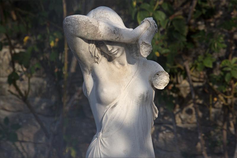 ville statue soleil face 270817