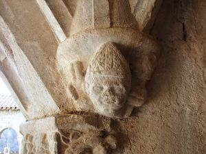 Saint_Bertrand_de_Comminges_cloitre_23