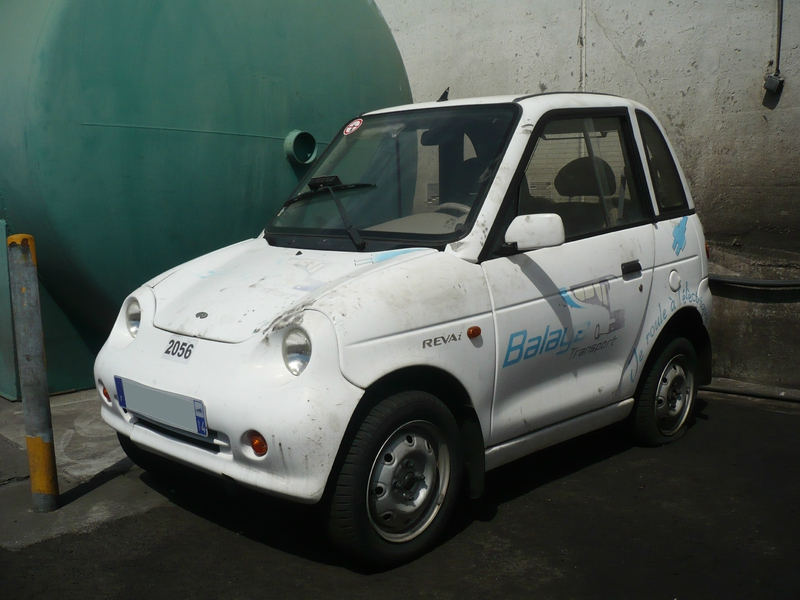 REVA i EV Electric Vehicle Saint Pierre (1)