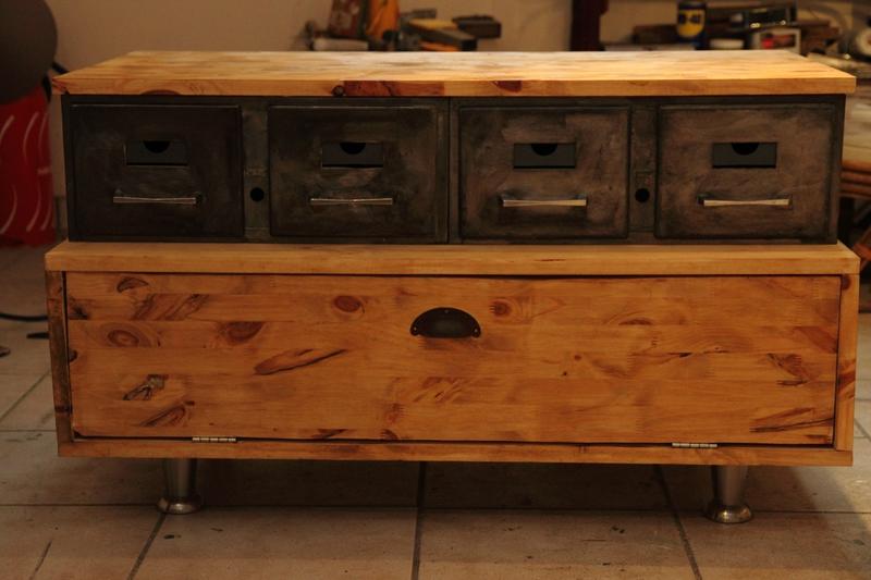 meuble t l a vendre volp 39 art et mimi. Black Bedroom Furniture Sets. Home Design Ideas