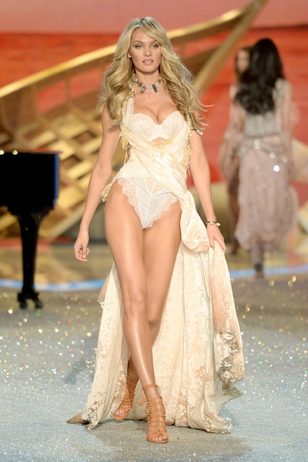 1384414583568_Victorias-Secret-2013-Runway-Show-27-Candice