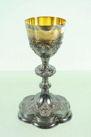 Collection de ciboires et calices néo-gothiques et 19ème siècle