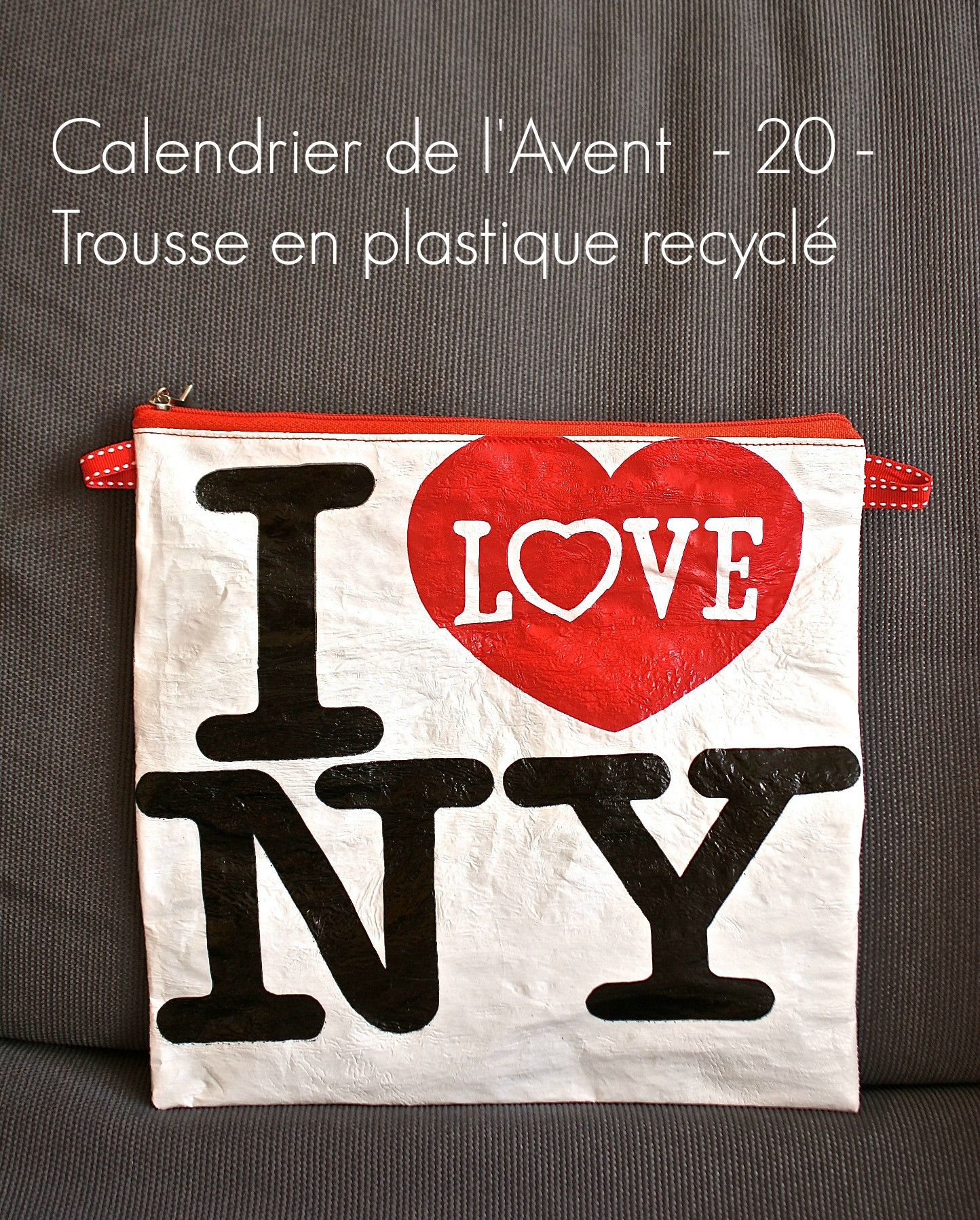 calendrier de l 39 avent 20 trousse en plastique recycl dans l 39 atelier. Black Bedroom Furniture Sets. Home Design Ideas