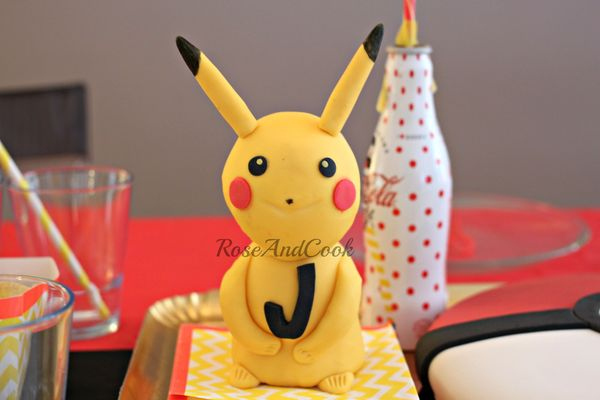 un anniversaire pokemon - pikachu - pokeball {sweetable