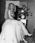film_ladies_set_marilyn_flower_1