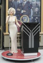 art-madame_tussauds-USA-washington-statue-b