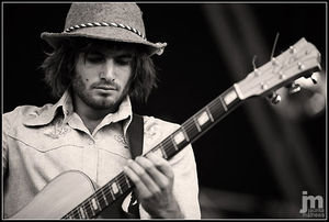 ANGUS_STONE
