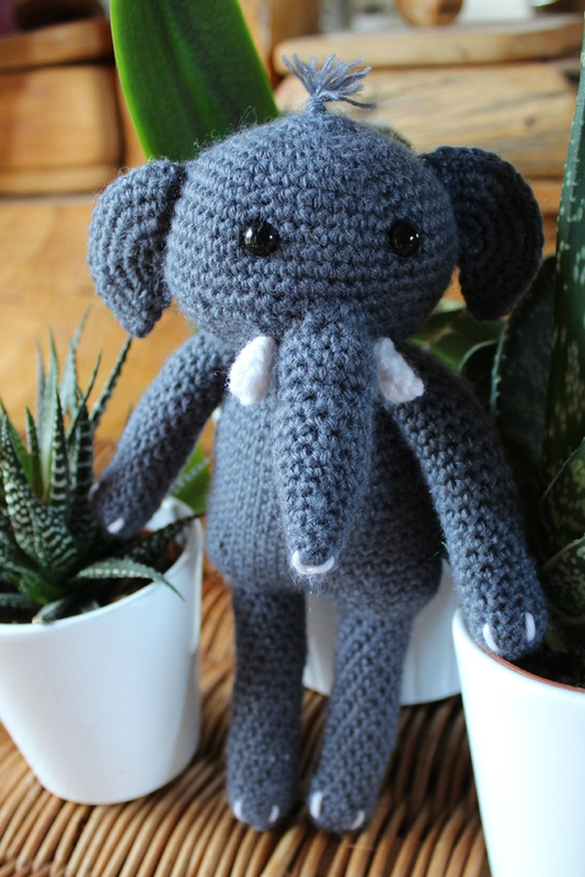 crochetelephantagatherose1