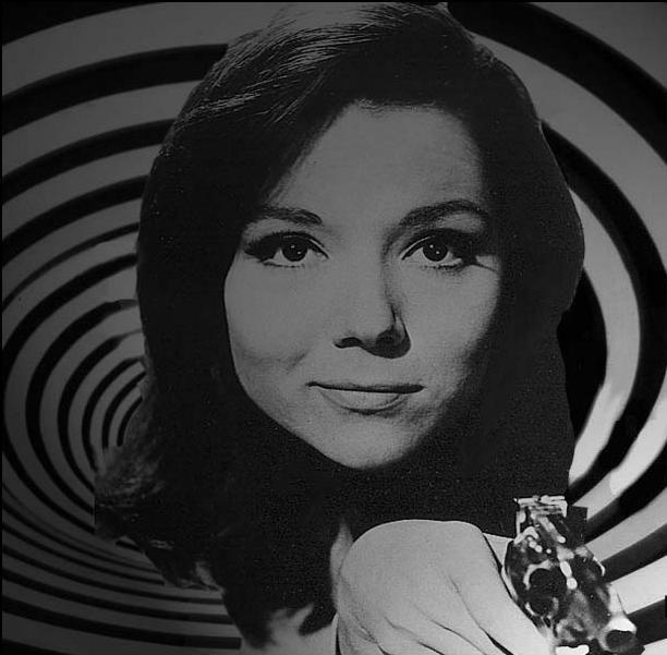 wallemmapeel_blue_Emma_Peel_wallpaper_diana_rigg_9806947_804_604