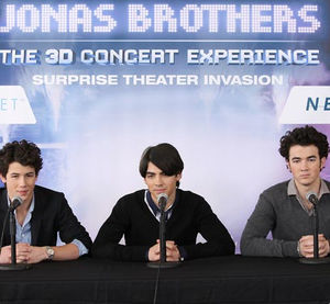 jonas_brothers_28_f_vrier_press_conference_westchester_airport