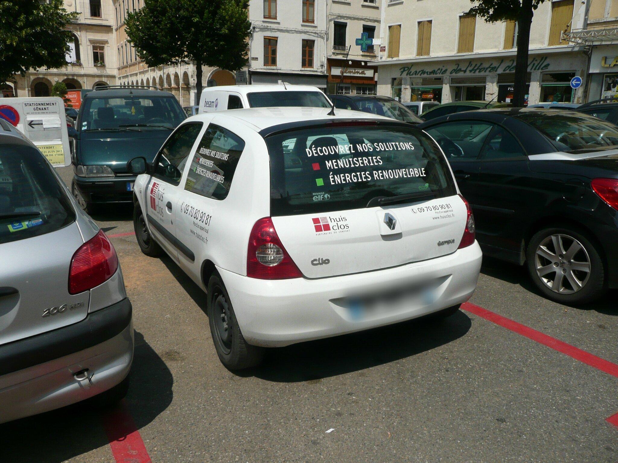 Huit Clos Vienne Isère Menuiserie Chauffage Devanture Vitrine Jeu De