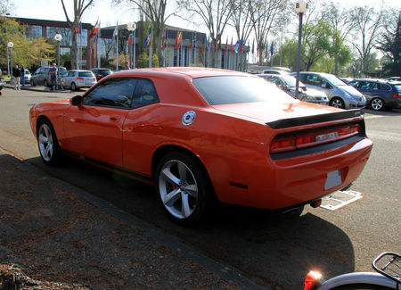 Dodge_challenger_SRT_8_6