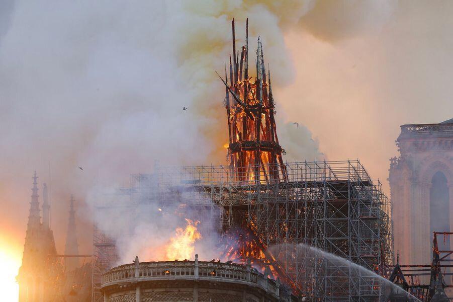 L incendie de la cathédrale Notre Dame aucune alerte a la pollution