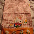 Serviette de toilette orange hello kitty offert par ma tante du canada